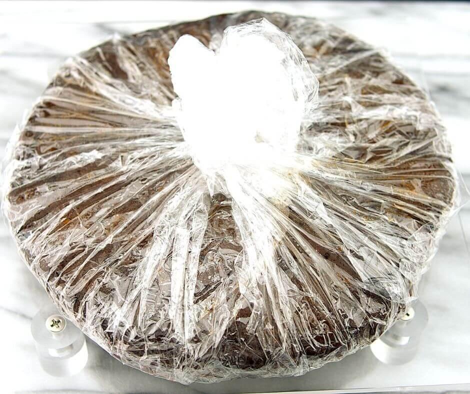 Dark Fruit Cake 4 of 6